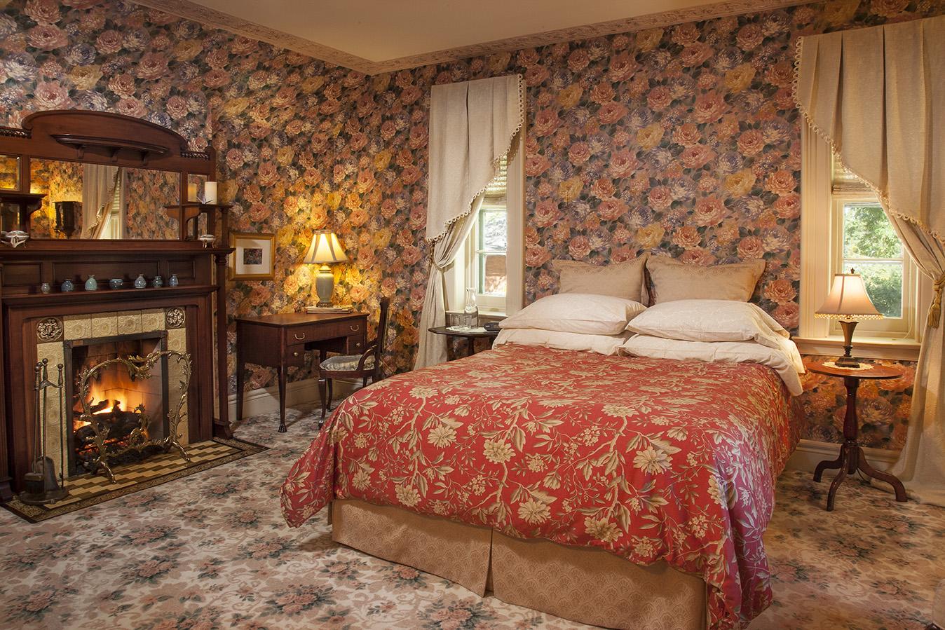romantic b&b Madison Willow Room